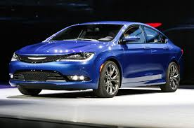 chrysler car 2016 chrysler 200 vs chrysler 300 which is better chrysler capital