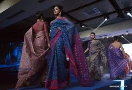 dhaka sarees traditional jamdani saree fashion show held in bangladesh xinhua