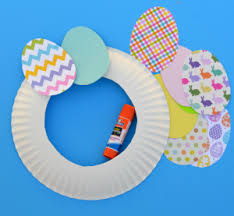 how to make an easter egg wreath easy paper easter wreath the resourceful