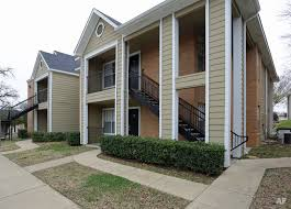 centennial court apartments student housing arlington tx