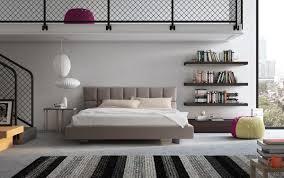Schlafzimmer Mit Polsterbett Mit Gepolstertem Kopfteil Und Funktionelle Für Die Moderne