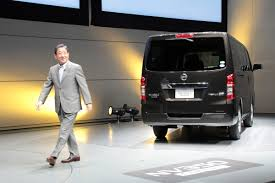 nissan urvan 2014 nissan wants to make toyota nv ous launches nv350 caravan the