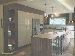 grande table de cuisine modele de cuisine moderne inspirant table de cuisine en bois