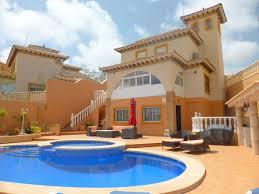 Superb Detached 5 Bedroom Villa With Wonderful Outside 1895753