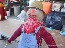 Homemade Scarecrow Decoration How To Build A Scarecrow Easy Instructions