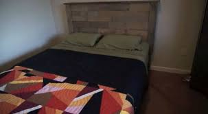 how to make a rustic pallet headboard diy projects craft ideas