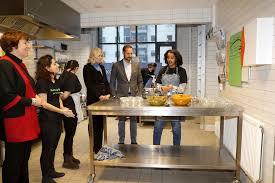 actu cuisine actu mette marit et haakon de norvège passent en cuisine
