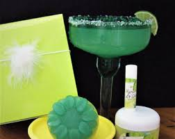 margarita gift set pretty in pink pering bath beauty gift basket spa gift