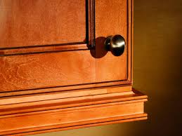 Kitchen Cabinet Pulls Knobs Or Pulls On Kitchen Cabinets Home Decoration Ideas
