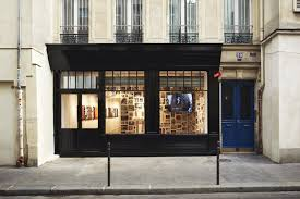 supreme paris store shopping in le marais paris