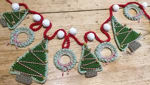 crochet christmas crochet with kate christmas garland lovecrochet