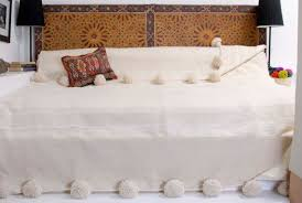 8 ideas you can steal from moroccan bedding so moroccan
