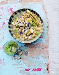 cuisiner des tellines bouillon de tellines au pesto de céleri vert et cocos de paimpol