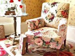 canap en anglais fleuri style anglais 4 avec un fauteuil recouvert d patchwork de