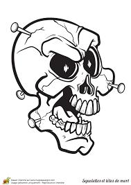 a colorier une tête de mort cloutée coloriages et activités