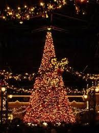 zona rosa tree lighting zona rosa crown christmas tree kansas city mo shopping district