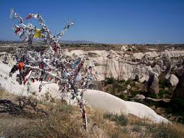 Wish Tree File Wish Tree Cappadocia Jpg Wikimedia Commons