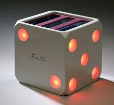 designer toaster it s all about the crisp toast yanko design