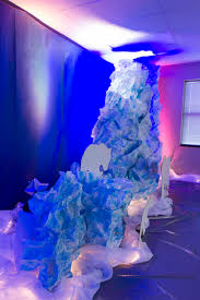 scrunched paper makes an berg for polar silhouettes to
