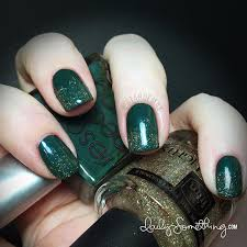 green with gold gradient nails daily somethingdaily something