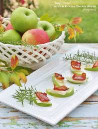 thanksgiving appetizers apple gouda bacon bites