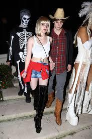 60 Epic Celebrity Halloween Costume Ideas Emma Roberts