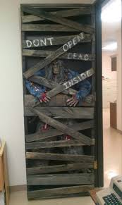 halloween door decorating contest ideas make scary halloween props