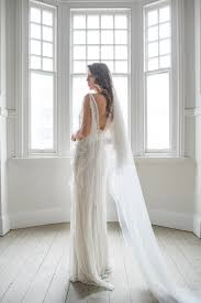 wedding dress shopping 17 essential wedding gown shopping tips unbridely