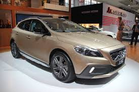 volvous volvo u0027s u s arm pressing swedish execs to bring v40 to north america