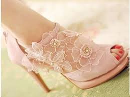 wedding shoes quiz what shoes should you wear on your wedding day playbuzz