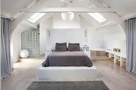 salle de bain dans chambre sous comble attractive chambre avec salle de bain ouverte et dressing 6