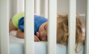 quand faire dormir bébé dans sa chambre baby be comment faire pour que bébé dorme seul dans sa chambre