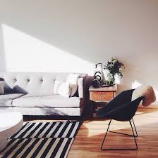 Black And White Floor Rug How To Enhance A Décor With A Black And White Striped Rug