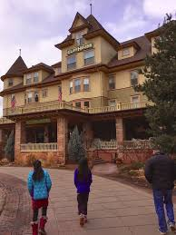 the cliff house dining room burger quest usa the cliff house manitou springs
