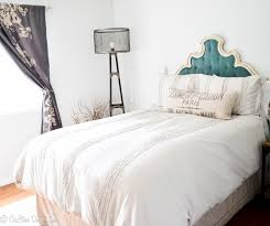 Diy Fabric Tufted Headboard by Tutorial On How To Make The Tufted Headboard Cre8tive Designs Inc