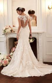 robe de mariã e dentelle dos les 25 meilleures idées de la catégorie robe sirene mariage sur