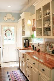 Kitchen With Cream Cabinets by Best 25 Blue Country Kitchen Ideas On Pinterest Spanish Kitchen