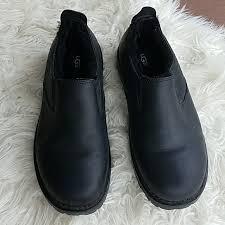 s ugg black leather 94 ugg other mens ugg black leather slip on boot shoes