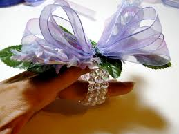 how to make wrist corsage easy wrist corsage tutorial a creative
