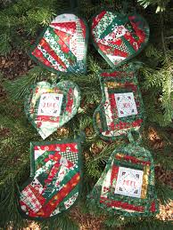 quilted christmas quilted christmas ornaments flower box quilts