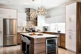 couleur d armoire de cuisine cuisine 2 tons thermoplastique blanc et mélamine couleur noyer
