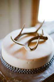 antler cake topper 29 ways to incorporate antlers into your wedding weddingomania