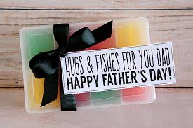happy fathers day gifts hugs and fishes for fathers day gift eighteen25