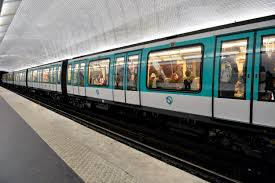 Paris Subway Man Dead U0027after Coat Became Stuck In Train Doors U0027 On Paris Metro