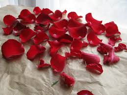 real petals wedding flowers ideas real flower petals for wedding spread