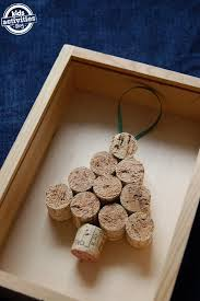 2 ornaments you can make with corks cork