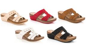 Comfortable Wedge Shoes 87 Off On Lady Godiva Comfort Wedge Sandal Groupon Goods