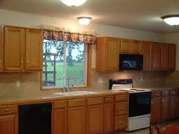 Color Schemes For Kitchens With Oak Cabinets by Best Color For Kitchen With Oak Cabinets The Top Home Design