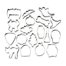 set 18 cookie cutters