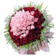 beautiful bouquet of flowers a beautiful bouquet of 100 and pink roses myflowergift
